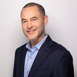 Craig Silverman-Professional Headshot-Low-Res--3-1